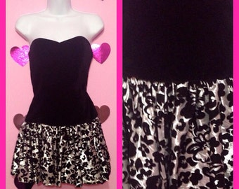 Vintage 80s Black and Silver Floral Strapless Sweetheart Super Mini Dress