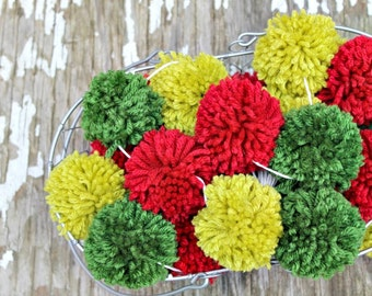 Red and Green  Yarn Pom Pom Garland | PomPoms | Christmas | Garlands | Christmas Decor | Holiday Decor | Buntings | Photo Props