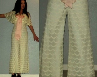 896 XS S Vtg 60s Ivory Scalloped Lace Pink Bow Wide Leg PALAZZO Pants Jumpsuit Hostess Wedding Maxi Dress