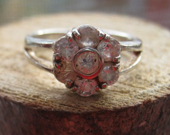 Vintage Sterling Silver Ladies Ring Flower Style Setting with Cubic Zirconium Womens Size 6