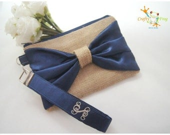 Navy blue Burlap Wristlet - Personalized gift - Bridesmaids Gifts - Wedding Clutch - Burlap Bridesmaids gift