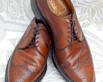 Fabulous Vintage FOOTJOY-- Classic Rich Chestnut Brown WINGTIP Leather Shoes ---Size 11 1/2 D---Perfect Condition