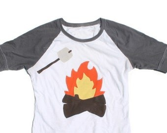 Womens Campfire Smores Applique Baseball Raglan Size Medium