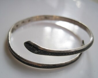 Vintage Snake Bracelet - Art Deco Bangle - Silver and Niello - Marsh People Jewelry - Serpent Jewelry - 1930s