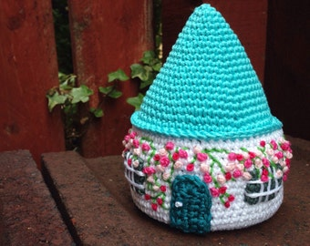 Old Lid House Crochet Pattern by Button Beautiful