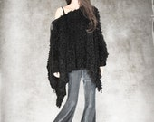 Women black cape poncho fake fur long sleeve
