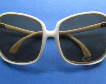 1960s-70s Deadstock MOD Sunglasses, with white frames, and original sticker / Sonny and Cher /Abba