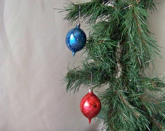 Vintage Glass Christmas Ornaments Tear Drop Red and Blue Poland Ornaments Mica Glitter Christmas Tree Ornament Holiday Decor Vintage 1950s
