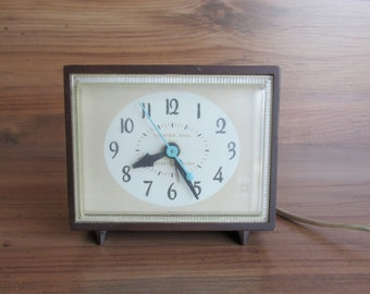 Retro General Electric Clock