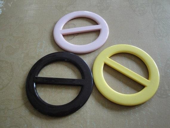 Three Vintage Plastic Round Belt Buckles Chocolate Brown