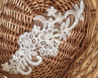 Ivory Alencon Lace Appliques Pearl Beaded Sequined Flowers Patches For Wedding Supplies Bridal Hair Flower Headpiece 1 Pcs