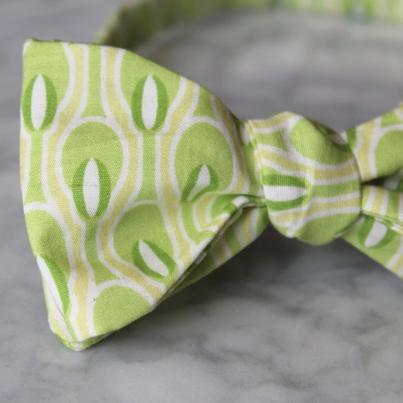 Mens Bow Tie in Lemongrass Tea Light- Groomsmen and wedding tie - clip on, pre-tied with strap or self tying