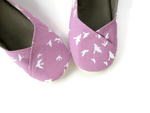 Women's Slippers in Purple Bird Print // Sizes 5-11