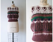 Sweater Vest with Cameo Silhouettes Vintage Wool Sweater Vest in Purple Women's Small Medium