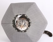 Second Quality Cat Ball a Pod Style Kitty Bed in Black Grey Hex Geometric