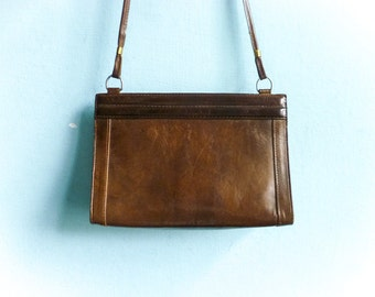 Vintage brown leather shoulder bag purse / formal chic / preppy mad men / 60s 70s