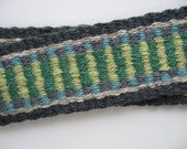 hand-woven wool guitar lute strap