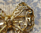 Vintage Bright Gold Filigree Bow Brooch - BR-807 - Gold Bow Brooch - Gold Bow Pin