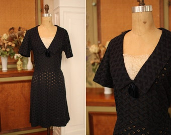 vintage 1950's navy blue eyelet dress with ruffled lace trim / size m