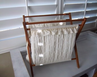 Vintage Folding Knitting Tote     Standing Sewing Tote   Fabric Sewing Caddy