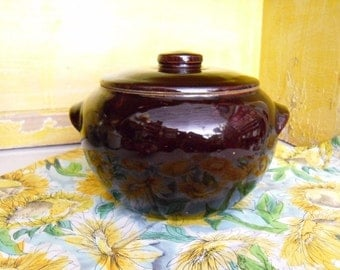 Vintage Stoneware Bean Pot Ovenware Cookware Kitchen and Dining