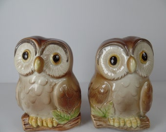 Vintage Salt & Pepper Shakers: Otagiri Owl Salt and Pepper Shaker Set