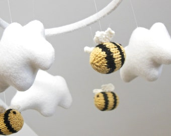 Baby Mobile, Cloud Mobile, Nursery Mobile, Bee Mobile, Baby Mobiles hanging, Cloud Mobile, Woodland Mobile, Gender Neutral, white nursery