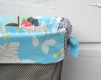Sky Blue and White Chrysanthemums Bicycle Basket Liner