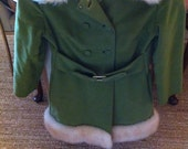 Gorgeous vintage coat green with lambs wool trim