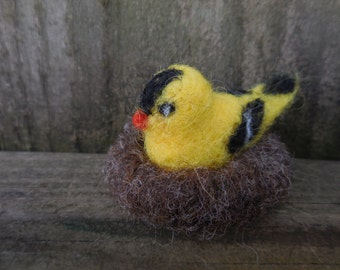 Tiny Needle Felted Goldfinch / Yellow Wool Bird in Nest / Miniature Felt Animal / Waldorf Nature Table Figurine Soft Toy