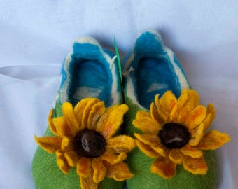 "Felted slippers wool slippers ""sunflower"""