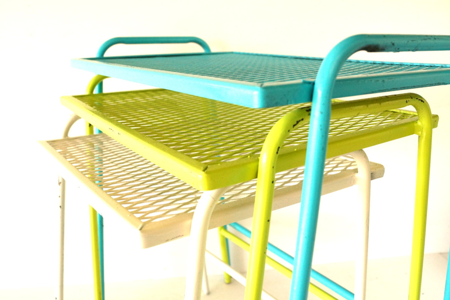Vintage Metal Mesh Nesting Patio Tables in Aqua Lime White