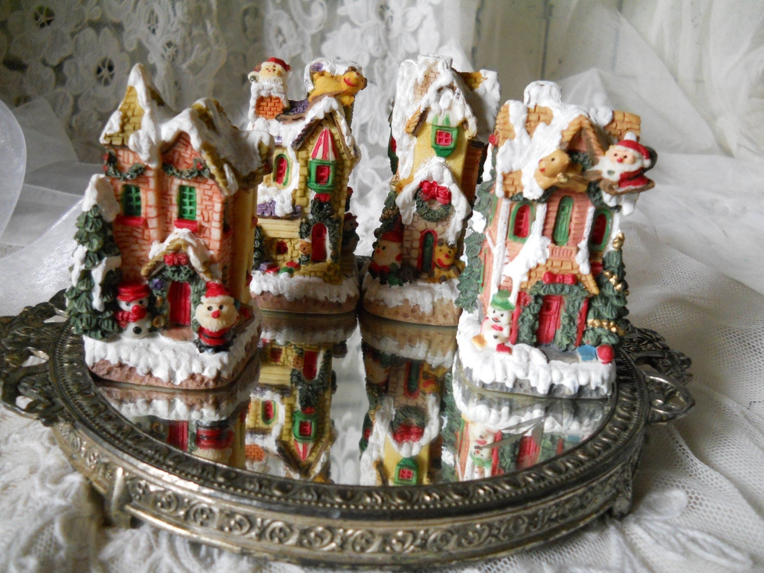 Vintage christmas village 4 pieces christmas decoration santas for Antique decoration pieces