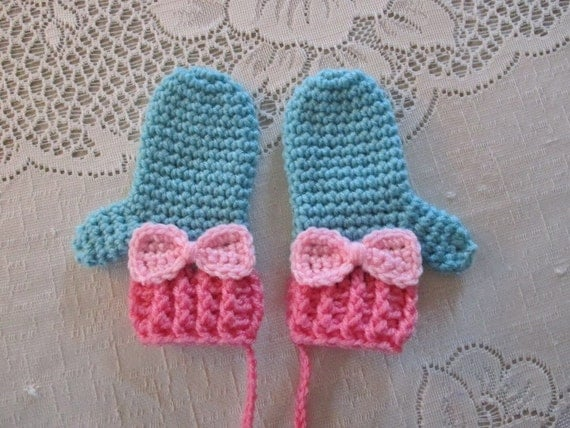 Croched Mittens - Can be made to match any hat - Available in Baby to Toddler Size - Any Color Combination