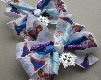 Snowflake Sisters Best Friends Korker Hairbow Set of 2 with free Snowflake Pin