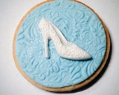 Cookies - Cinderella inspired slipper cookie - Wedding Favors, Birthday Gift,  Bridal Shower, Fashion Events - (Custom Colors)
