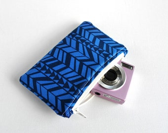 Woman's protective gadget padded camera make up cosmetics pouch aztec triangle arrow print in navy blue.