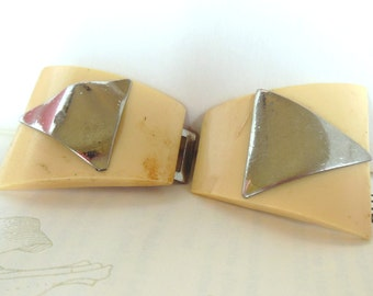 Vintage Celluloid Art Deco Buckle Metal Silver Cream Triangle 40's (item 12)