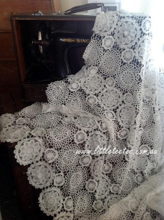 Tissu napperon au crochet napperons de dentelle dentelle de - Napperon dentelle crochet ...