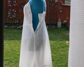 barbizon white Dress Slip  plus size 16 1/2 Made in USA side zipper