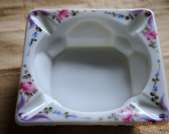 Westmoreland Hand Painted Ashtray in The Grape Pattern