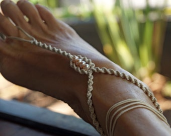 Beach Wedding Barefoot Sandals, Pearl Barefoot Sandals, Macrame Anklets, 1 Pair