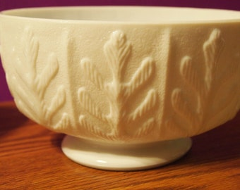 Vintage Oval White Milk Glass Oak Leaf Libation Bowl, FTD Glass 1975