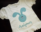 Appliqued Floppy Ear Bunny Head Shirt with Name / Monogrammed Rabbit Ear Shirt / Appliqued Holiday Shirt / Childrens Easter Shirt / Kids Tee