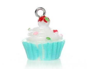 18mm. 3CT. 3 Dimensional Cupcake Charm, Resin Charm Pendants Cake White Blue 18mm x 16mm