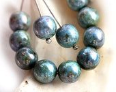 8mm round beads, czech glass, Mother of pearl shine, Green Grey luster, picasso beads, druk, pressed beads - 20Pc - 1933