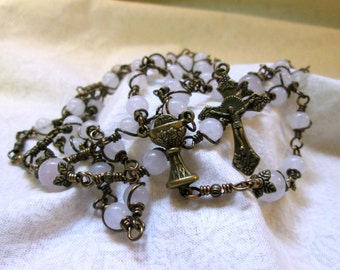 White First Communion Eucharist Wire Wrapped Rosary (CL005)