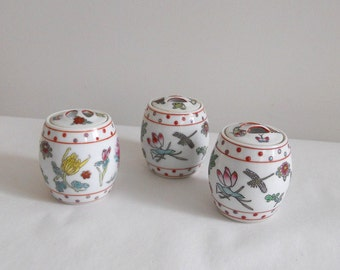 Spice Jars with Lids (3) Chinoiserie Hand Painted Chinese Porcelain Floral Small Barrel Shape
