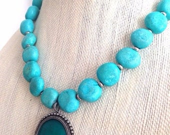 Chunky Turquoise Stone Necklace with Emerald Pendant
