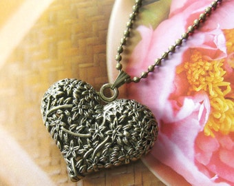 Antique brass filigree puffy heart necklace (Long chain)